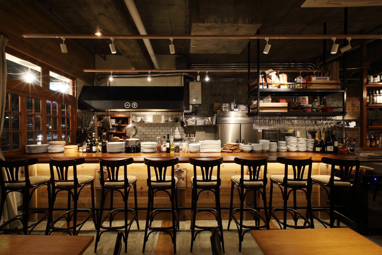岡山市_レストラン_EGOZARUの内装・外観01